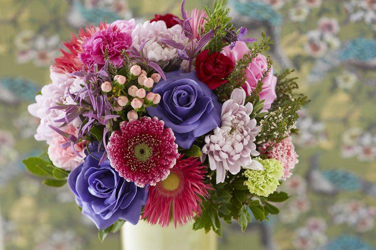 boeket wax rozen pioen bloem bloemen paars roze rood